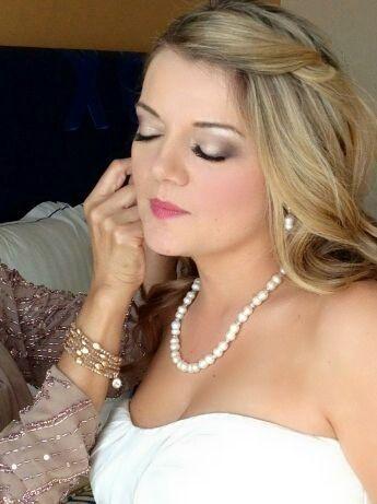 Pretty Wedding Make Up Wedding Day Makeup Wedding Hair And Makeup Wedding Hair Accessories