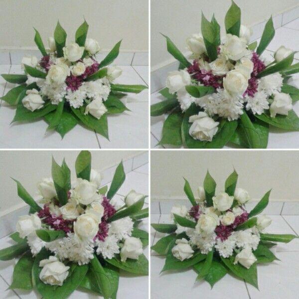 Pin By Leny Izha On Sireh Junjung Idea Wedding Gift Pack Flower Arrangements Wedding Gifts