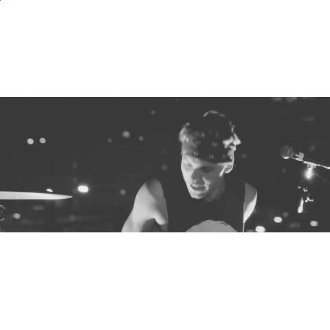 """Watch just imagine's Vine """"you shamelessly danced around when the band next door decided to practice.  -N(that's so 5sos) ac:dontmovehemmo [tumblr]"""""""