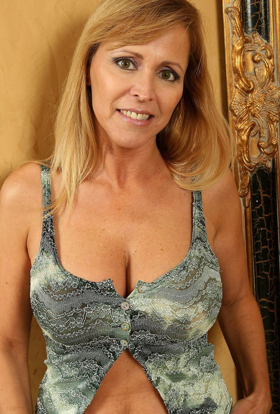 Nicole Moore Nude Photos 80
