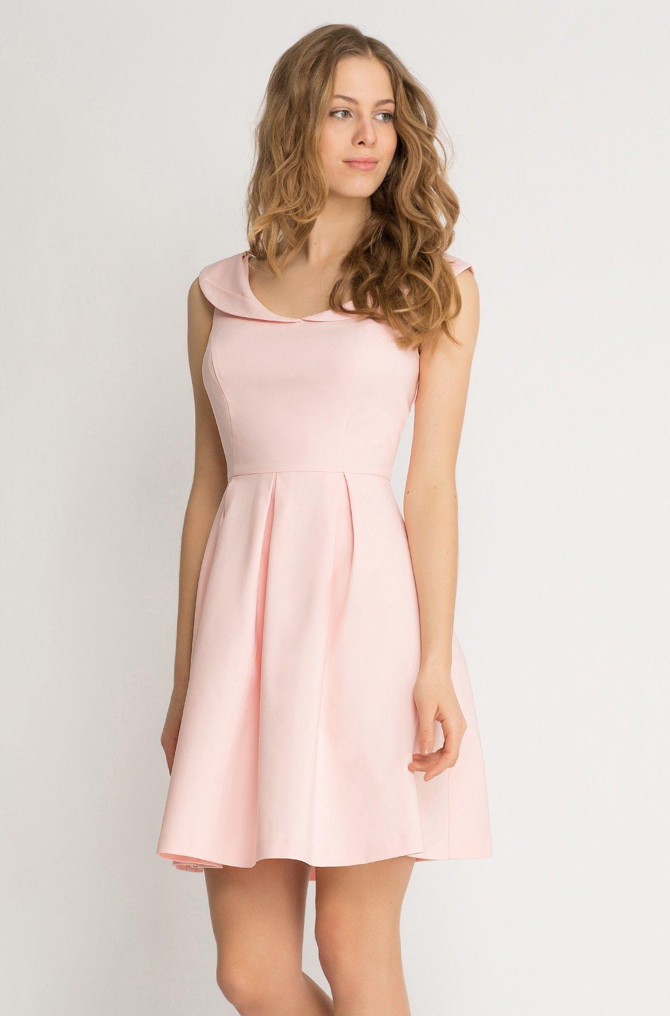 Kleid in Glockenschnitt mit Kragen | Fashion | Pinterest | Kragen