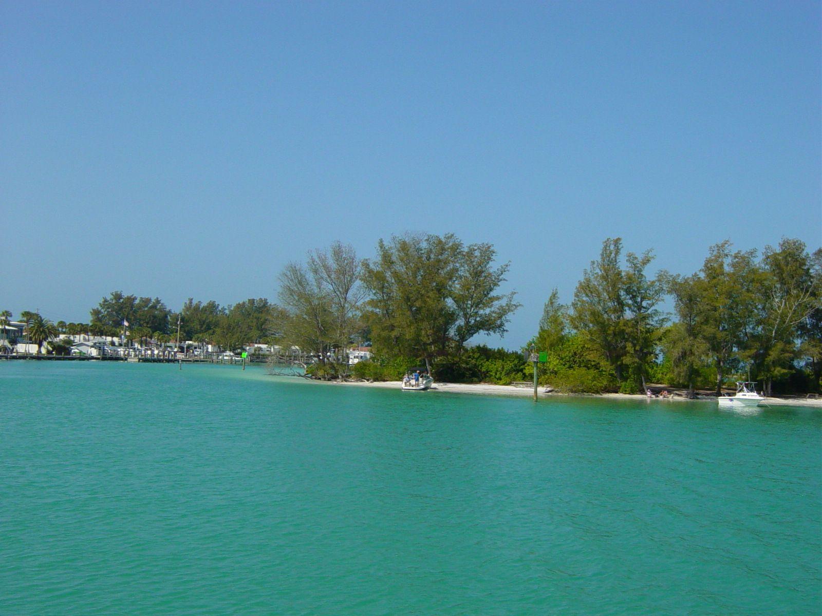 sarasota beaches | Marina Jack, Sarasota to Chadwick Cove Marina Englewood Beach.