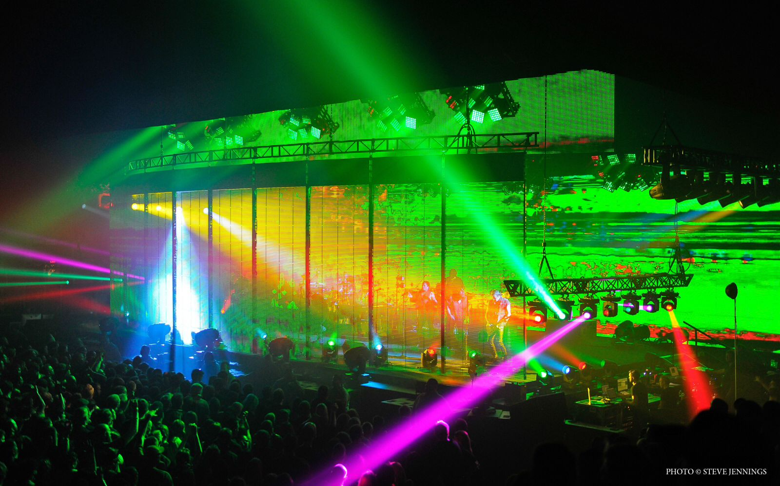 """Nine Inch Nails stage design by LeRoy """"Roy"""" Bennett for their 2013 ..."""