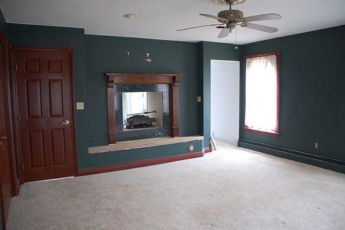 dark green bedroom    white that makes a dark green look so