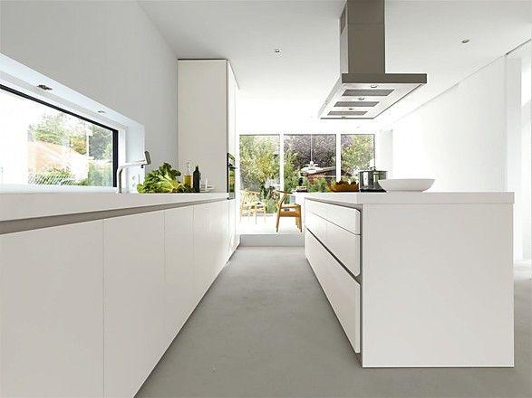 Grifflose Designküche b1 mit Insel in Weiß (bulthaup Küchen ... | {Leicht küchen grifflos 83}
