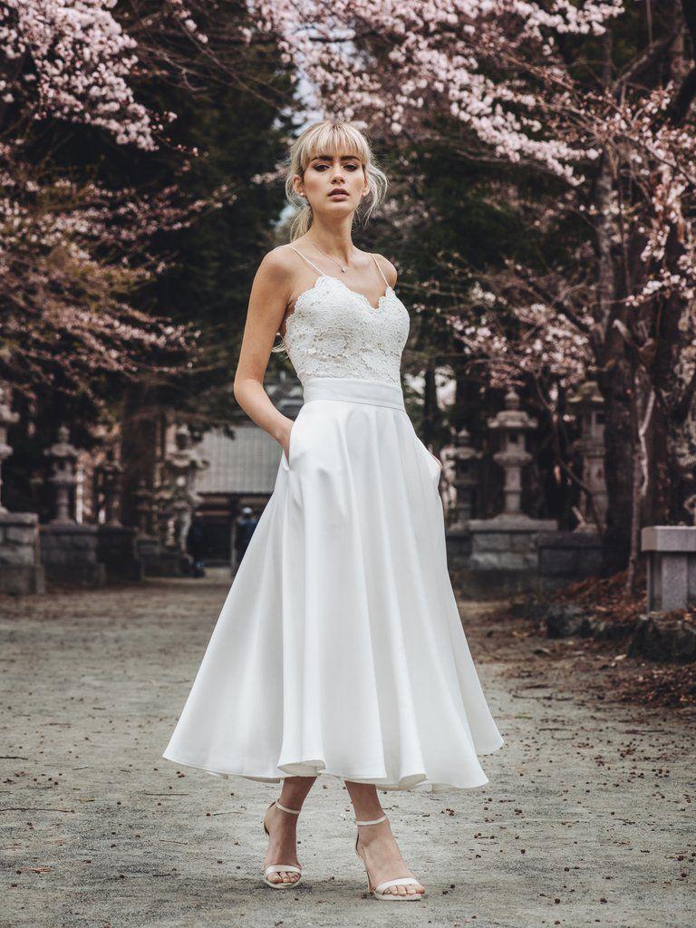 擺脫傳統的婚紗,2019最新的【Two Piece】兩件式婚紗!婚紗也可以很時尚哦!