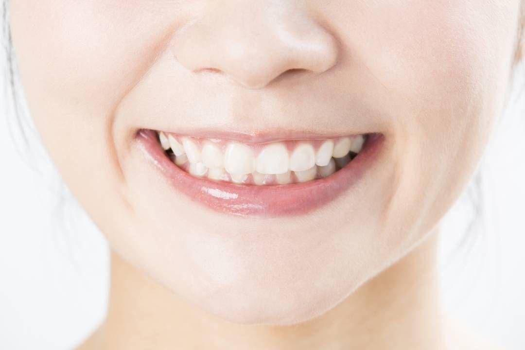舌の苔 歯ブラシで落とすのは危険 医師が教える正解 歯周病 口臭 歯科
