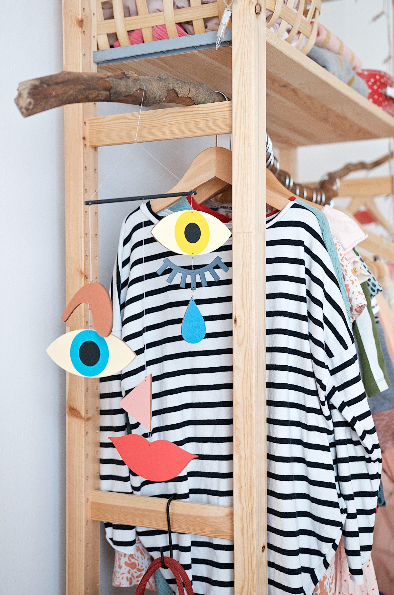 imprivisierter kleiderschrank mit ivar g nstig und. Black Bedroom Furniture Sets. Home Design Ideas
