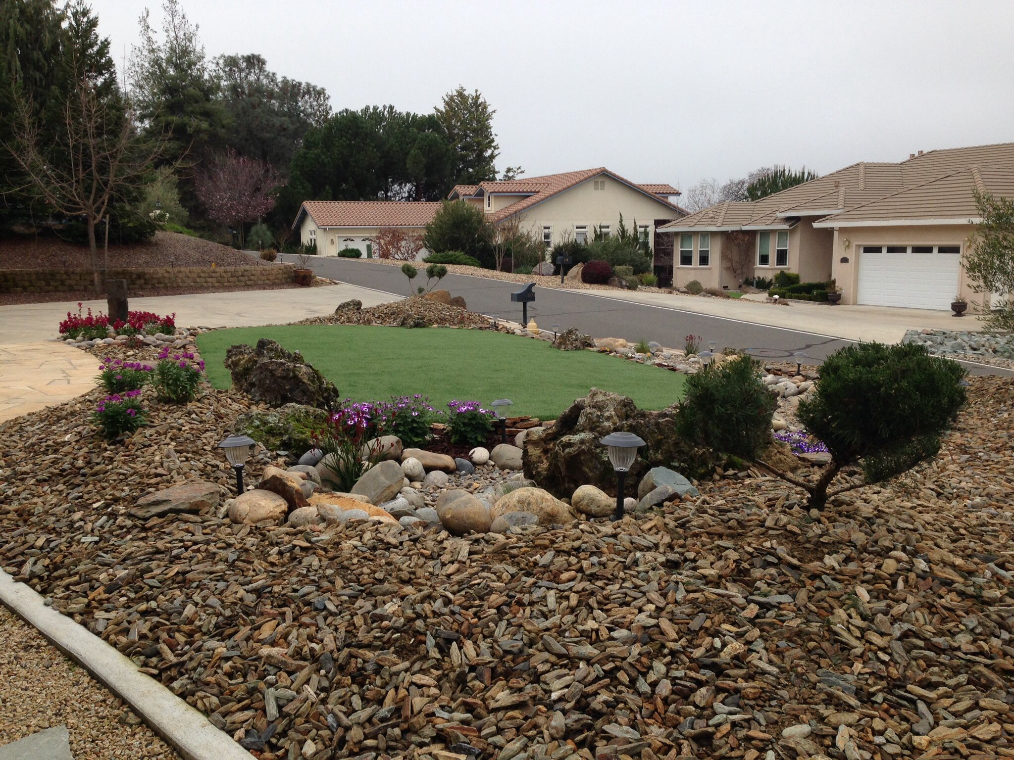 Drought tolerant landscape: artificial turf, dry creek bed | New ...