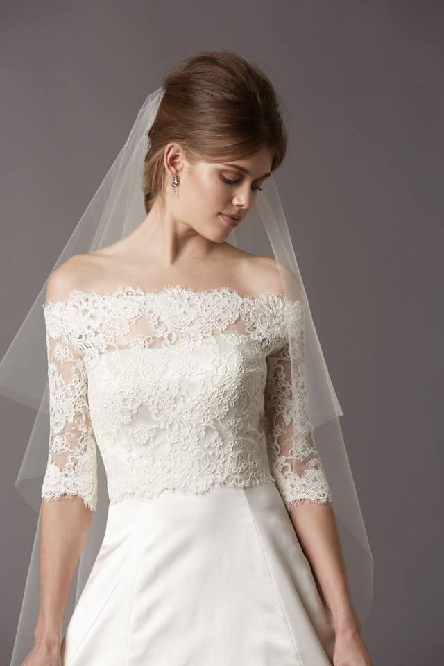 the simplistic lace is gorgeous.