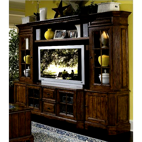 Riverside Furniture Delcastle Large Entertainment Center In In