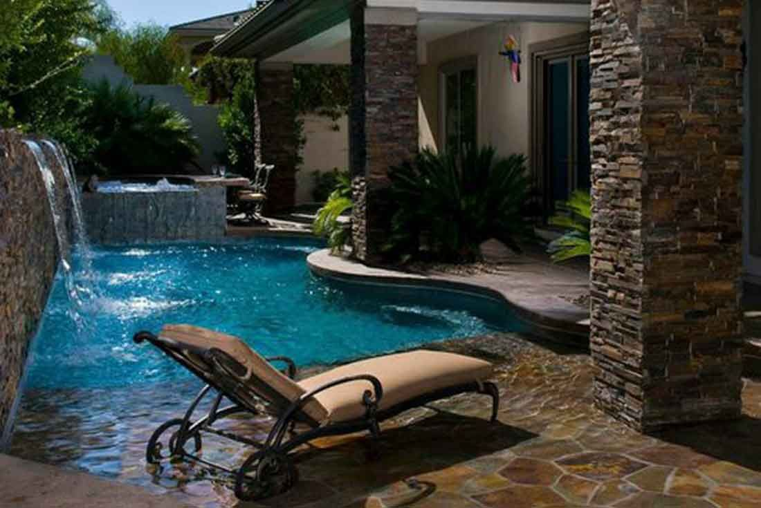 Small backyard pools pinteres for Outside pool designs