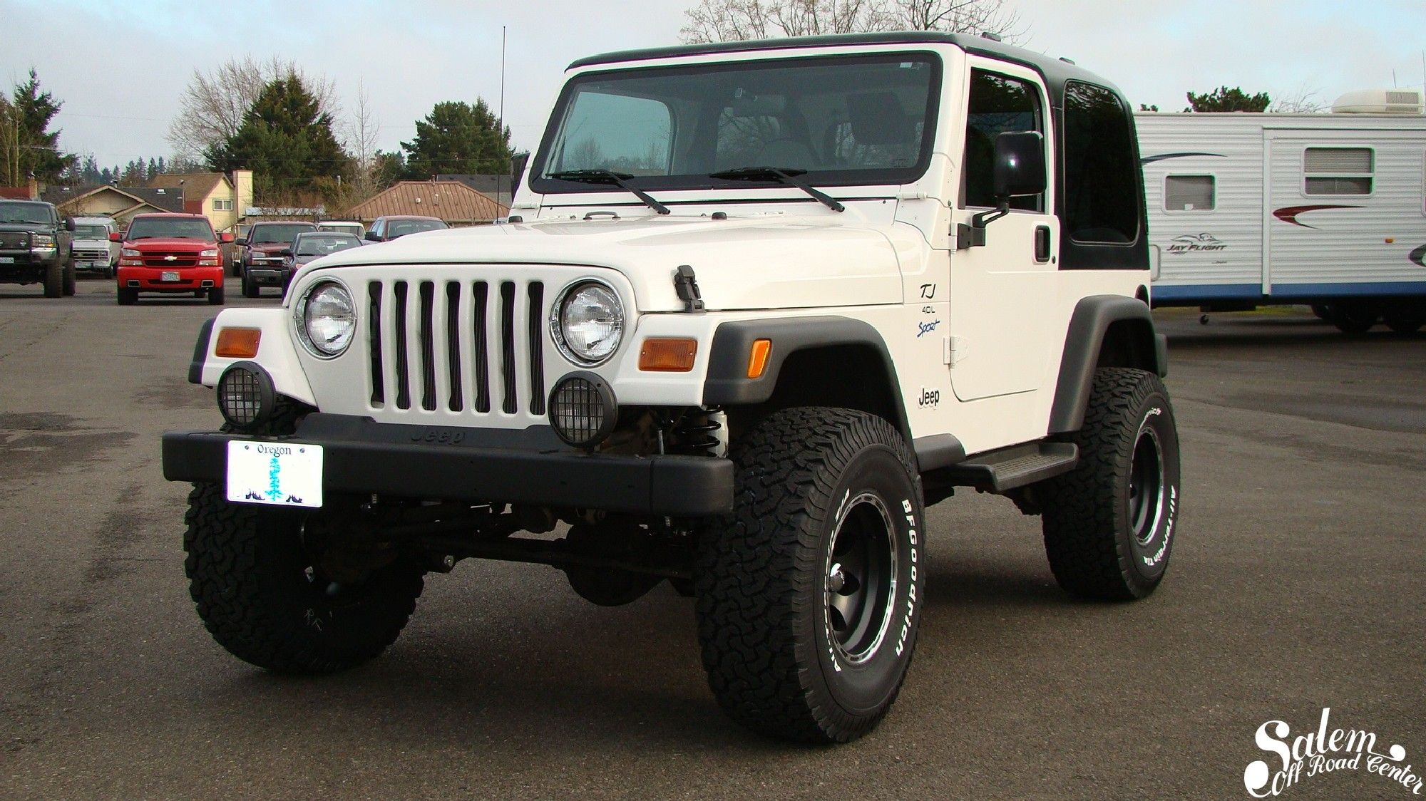 This 1997 jeep wrangler is outfitted with a bds 3 lift kit including new front