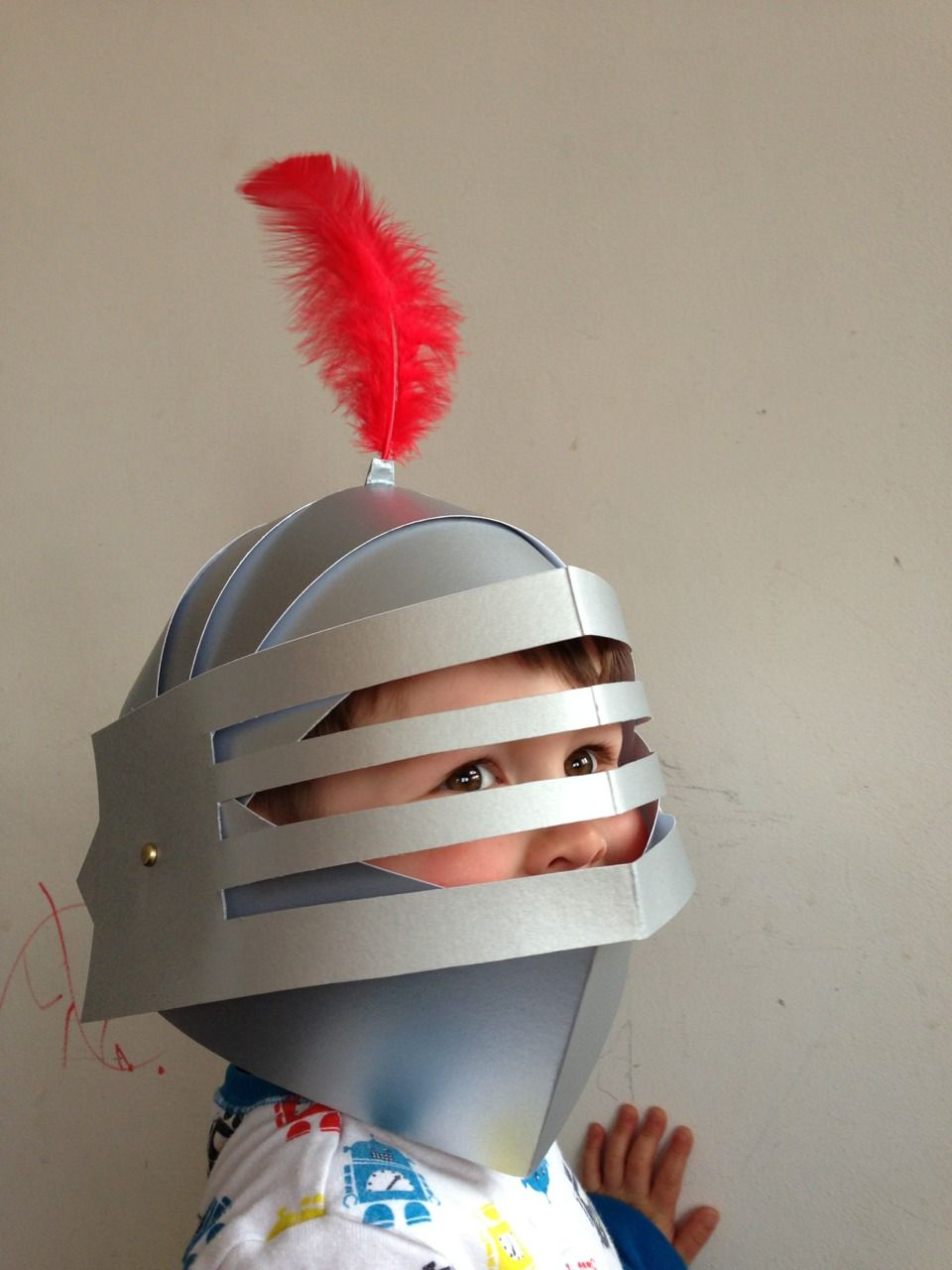 Diy brave knight party helmets cardboard feathers and for Paper knight helmet template
