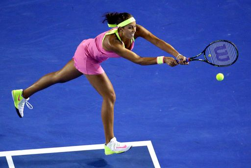 Madison Keys of the U.S. stretches for a return to Petra Kvitova of the Czech Republic during their ... - (AP Photo/Rob Griffith