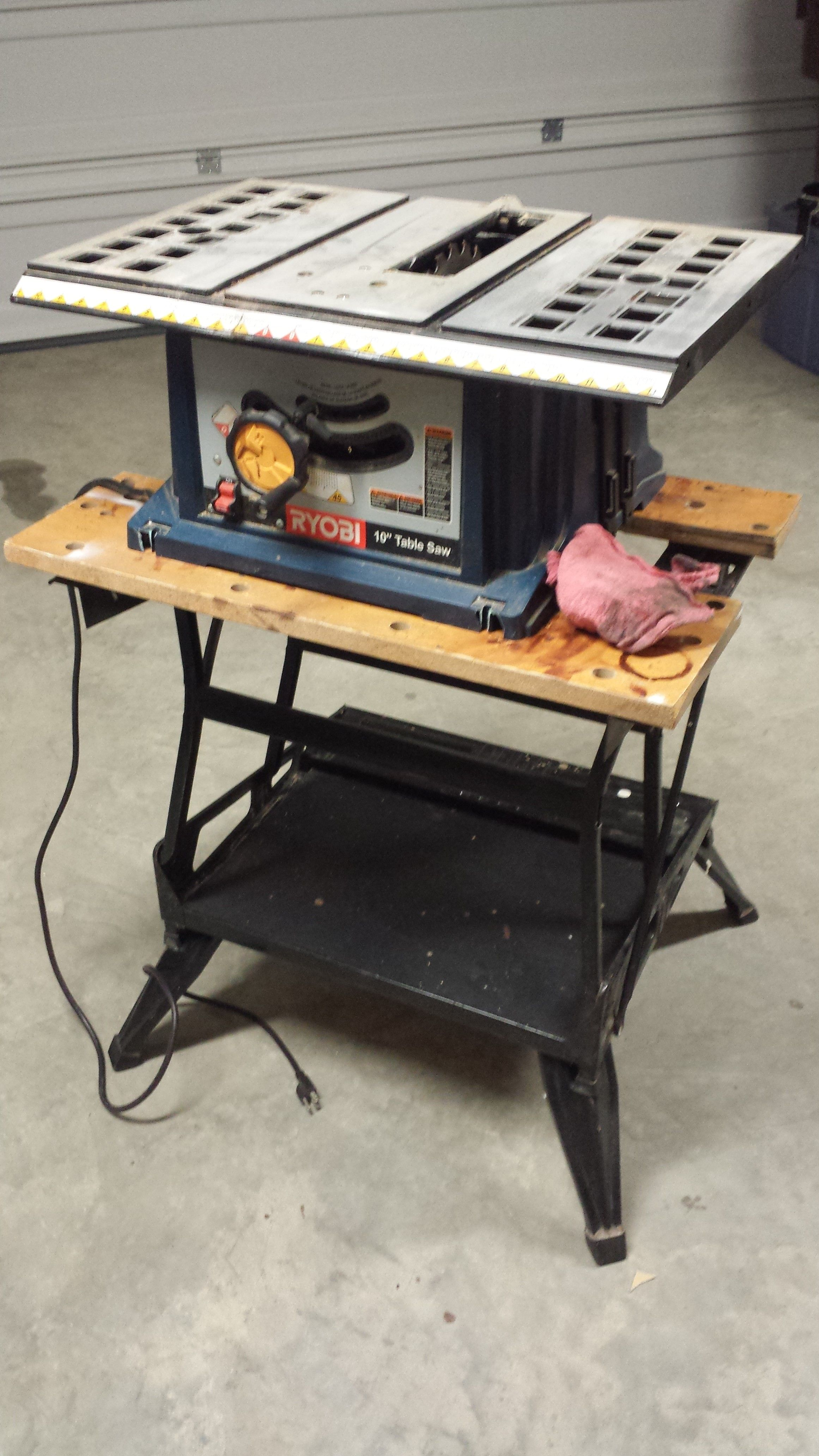 Using My Black And Decker Workmate 400 To Hold My Table Saw Workmate425 Workmate Pinterest