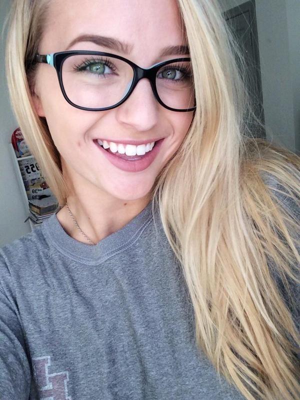 nerdy blonde teen glasses