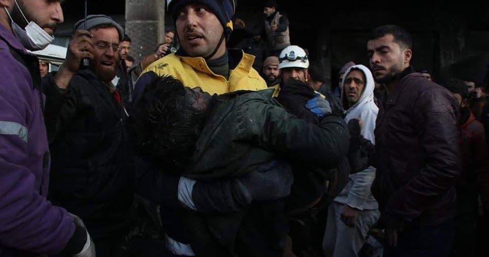 مقتل 21 مدنيا وإصابة 82 آخرين في قصف حربي على مدينة إدلب وريفها
