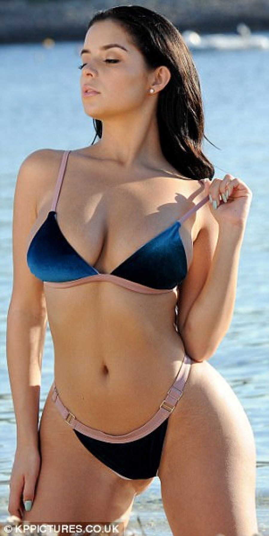 Fappening Photos Demi Rose naked photo 2017