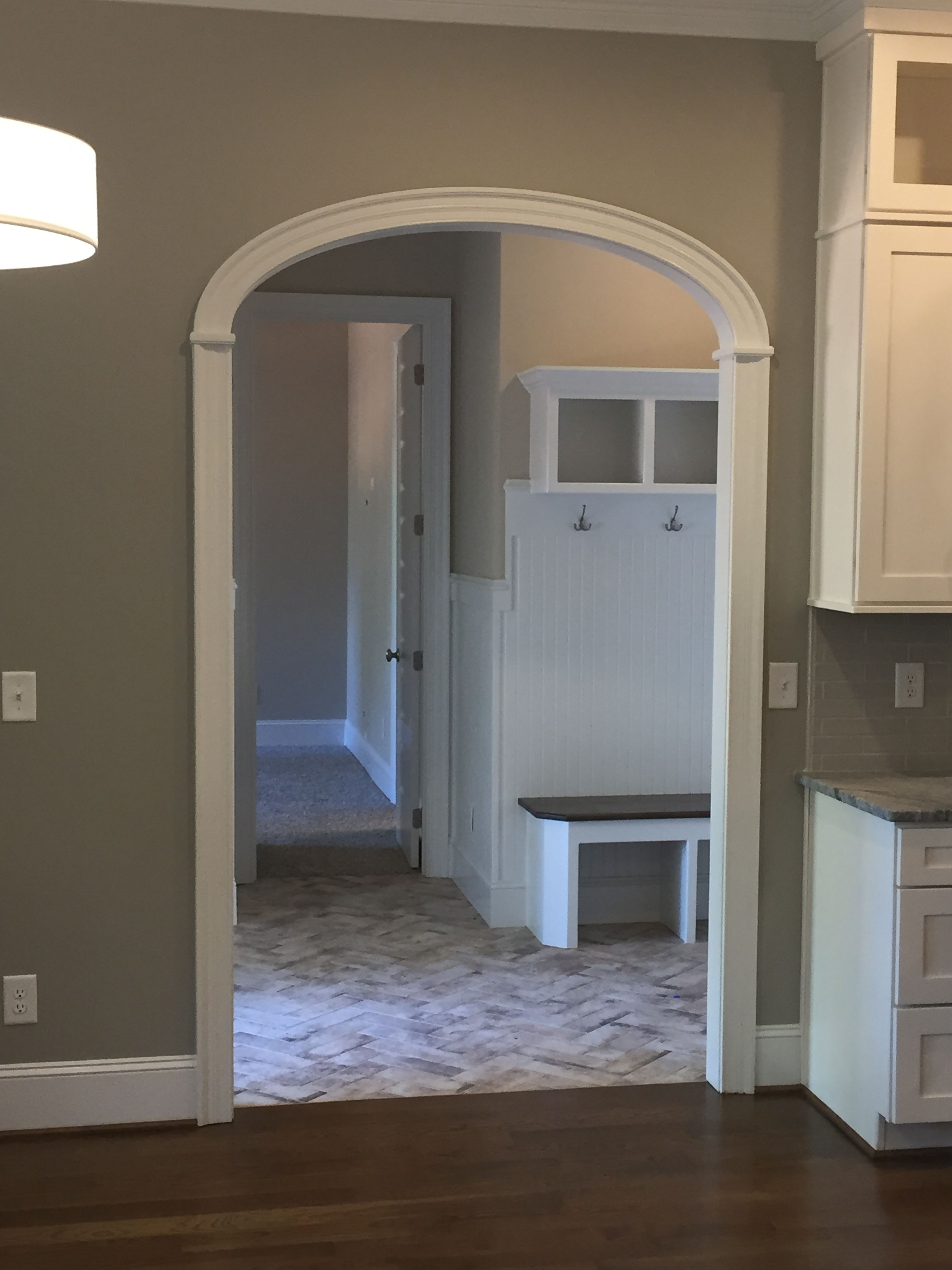 Arch Doorway In Mudroom Great Entry Point To A Large Open Kitchen Area Doorway Ideas Interior Arch Doorway Moldings And Trim