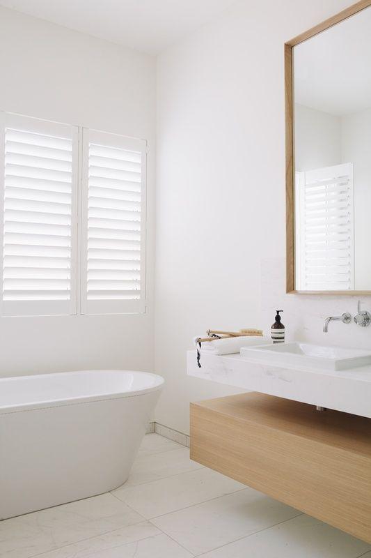 ❤ helles schönes Bad!! Holz und weiss, grau schwarz an Wand - badezimmer weiß grau