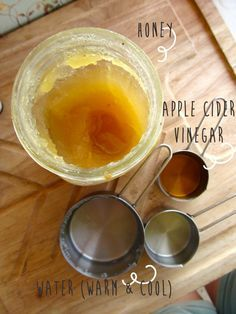 Cleanse & Renew With This Super Simple Peppermint And Honey Facial Toner