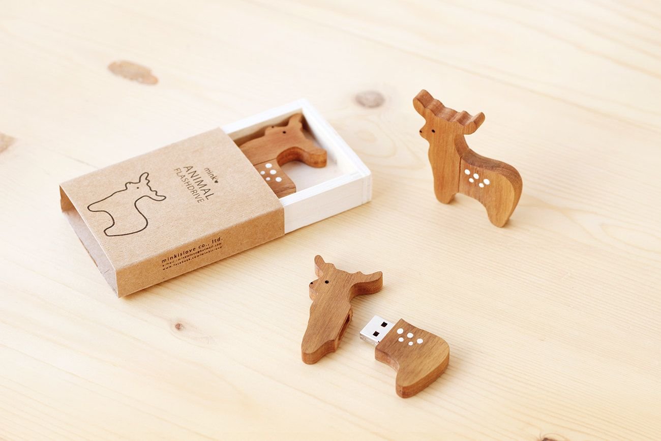 reindeer and pine tree usb flash drive by minkislovethailand on etsy. Black Bedroom Furniture Sets. Home Design Ideas