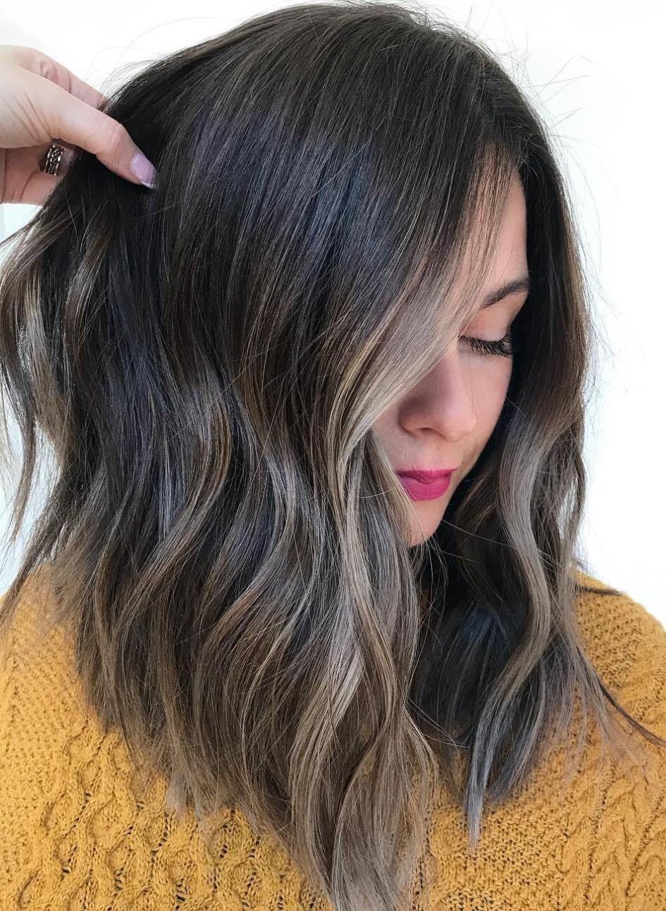 Beige Highlights On Dark Hair Face Framing Brunette Highlights Brownhair Balayagehairda Dark Hair With Highlights Brunette Hair Color Hair Highlights