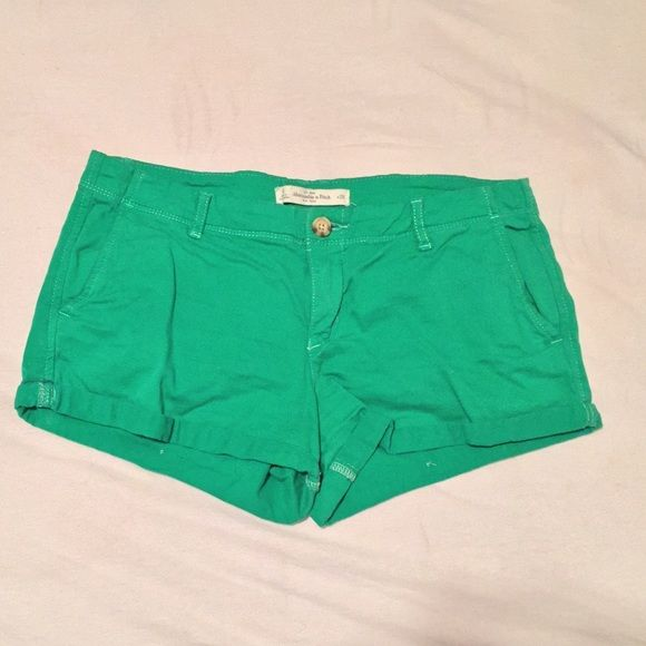 Abercrombie shorts Green, size 6 ✨MAKE REASONABLE OFFERS NEED GONE BY APRIL 30th Abercrombie & Fitch Shorts