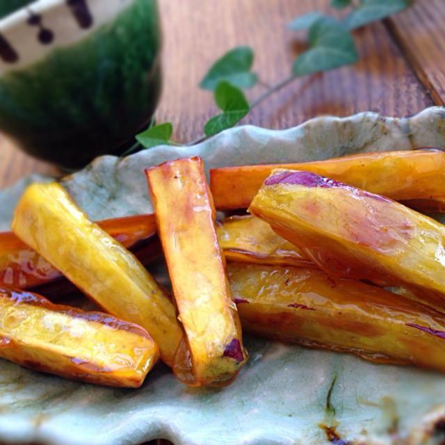 子どものおやつに作りましたぁ 料理教室で習った中国料理の1つです。油と砂糖とさつま芋だけで作りますが、飴がけのようにカリカリして美味しいですよ ઈ(◕ั◡◕ั)☄ - 62件のもぐもぐ - カリカリ芋 by junjun