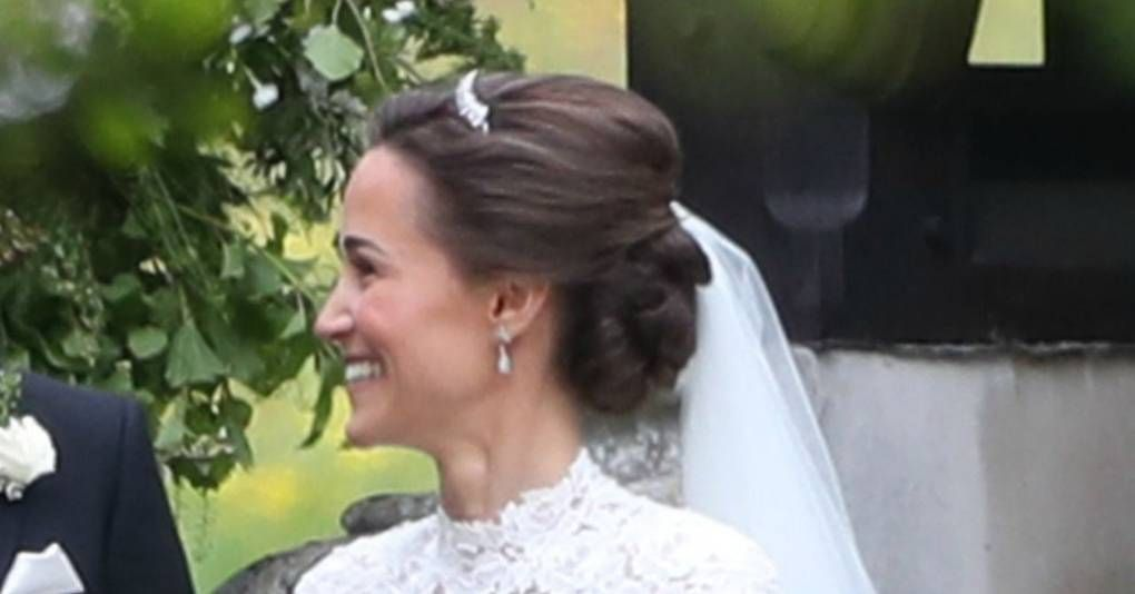We Re Obsessed With Pippa Middleton S Wedding Hairstyle Wedding Hairstyles Pippa Middleton Wedding Bride Hairstyles