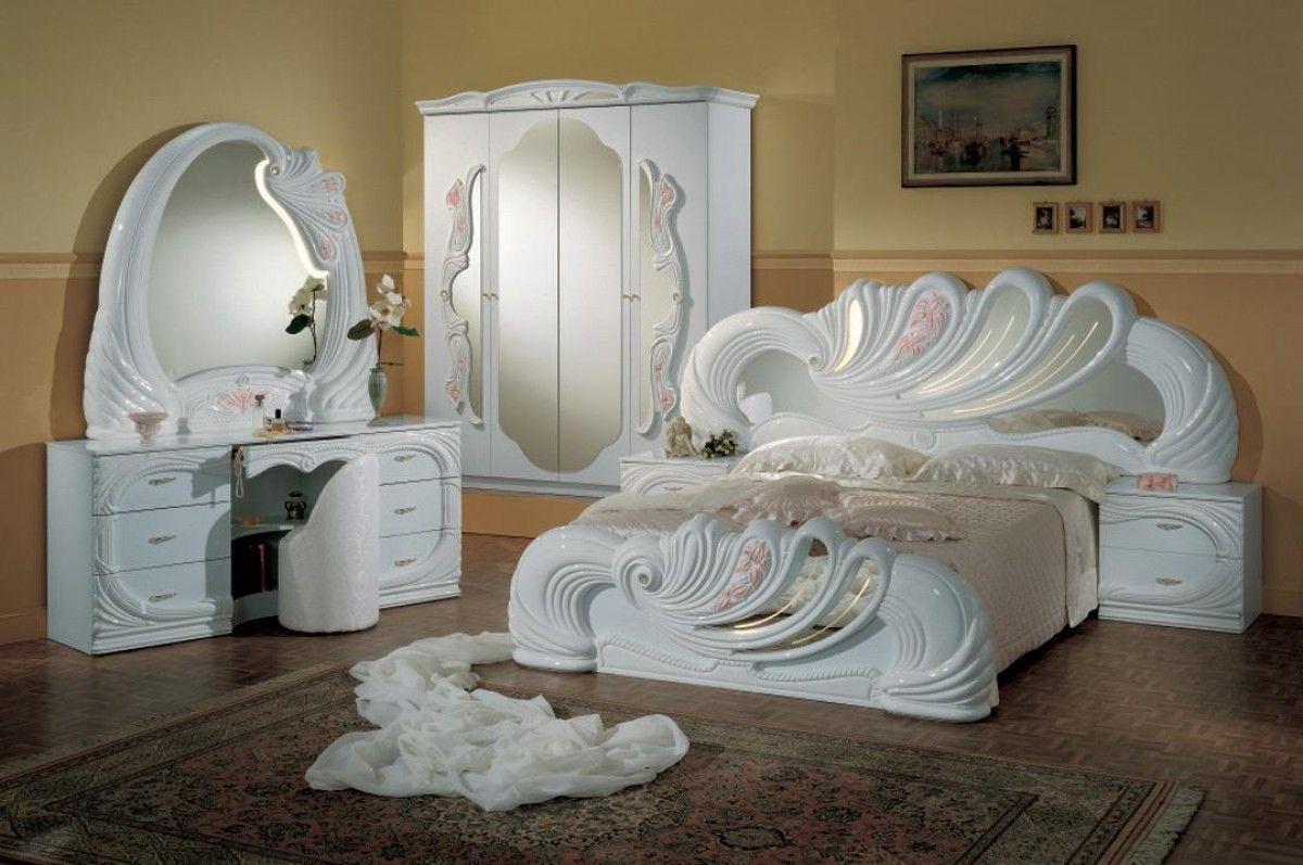 Modrest Vanity White Italian Classic Queen Bedroom Sets  VGACCVANITY WHTProduct : 71237|71238Features
