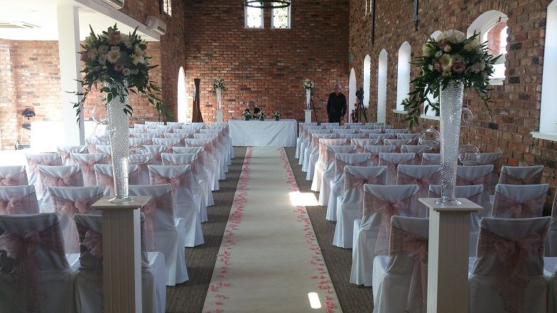 Venue Dressing At The Doubletree Hilton In Chester Wedding Venues
