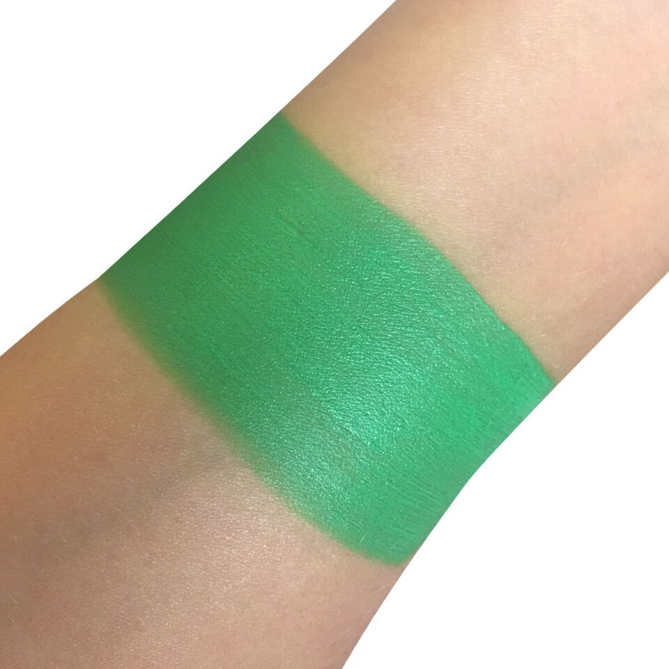 c771fd2bf Snazaroo Classic Bright Green Face Paint applies smoothly, can be easily  blended and will dry in about 30 seconds to a streak-free, durable finish.