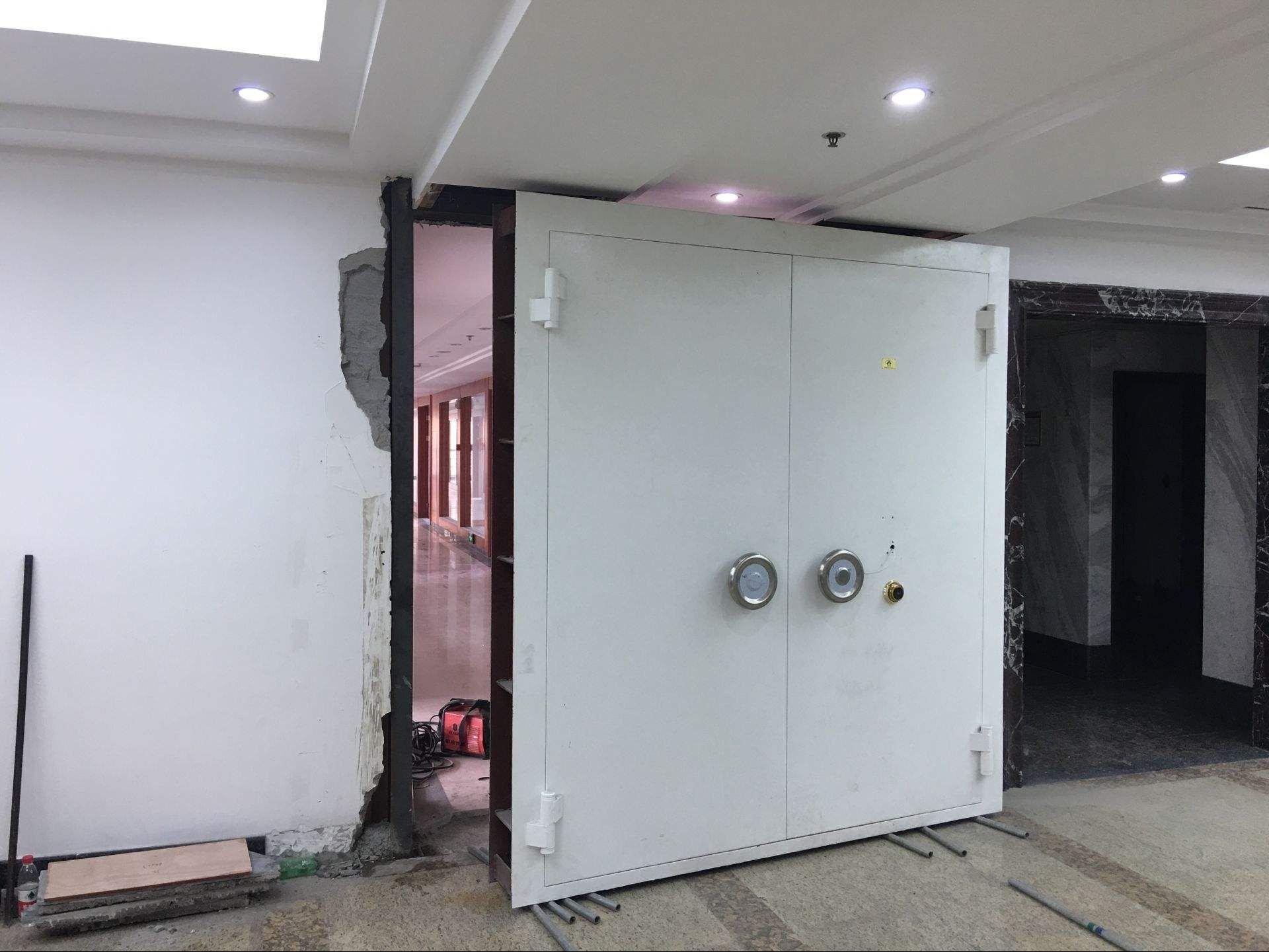 Bank Vault For Sales Vault Doors Banks Vault Door Installation