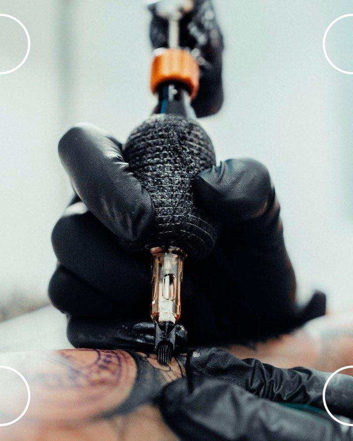 By @_honart_ artista residente en @gangatattoostudio Para pedir cita : DM  @eztattooing @radiantcolorsink @easykitsspain  __________________________________________ #Tattoo #Tattoos #Tattooed #Tattoolove #Tattooidea #Realistictattoo #Tattoolife #Tattoomodel #Tattooideas #Tattoodesign #Tattooflash #marvel #Love #Follow #Like #Murcia #Murciaattoo #TattooMurcia #art #realismotattoo #murcia #tattoo