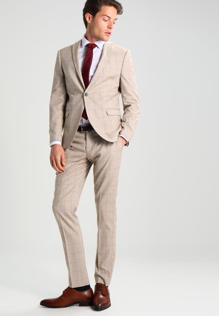 ¡Consigue este tipo de traje de Selected Homme ahora! Haz clic para ver los 5d3bf851fdf