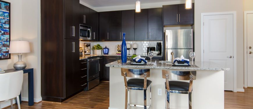 Gourmet kitchen at Mallory Square | live life squared away