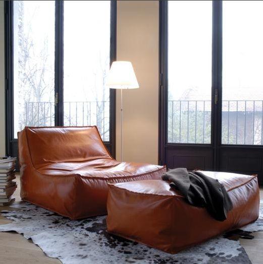 brauner leder bean bag sessel mit hocker living pinterest sessel mit hocker hocker und sessel. Black Bedroom Furniture Sets. Home Design Ideas