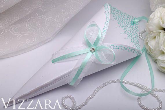 10 Confetti cones Wedding Basket girl Wedding White Royal Wedding Confetti ivory Wedding Ceremony cone Rice Tossers vintage wedding ideas