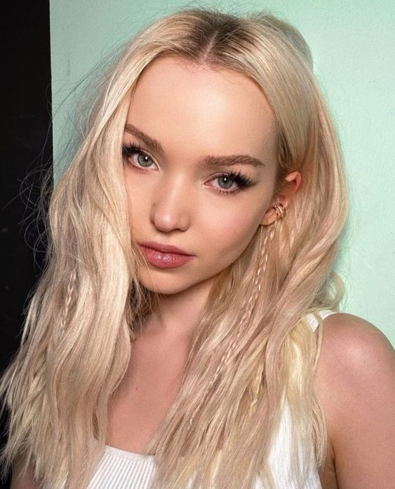 Pin By Hasbleidy Natalia Infante Hern On Dove Cameron Cameron Hair Dove Cameron Style Dove Cameron