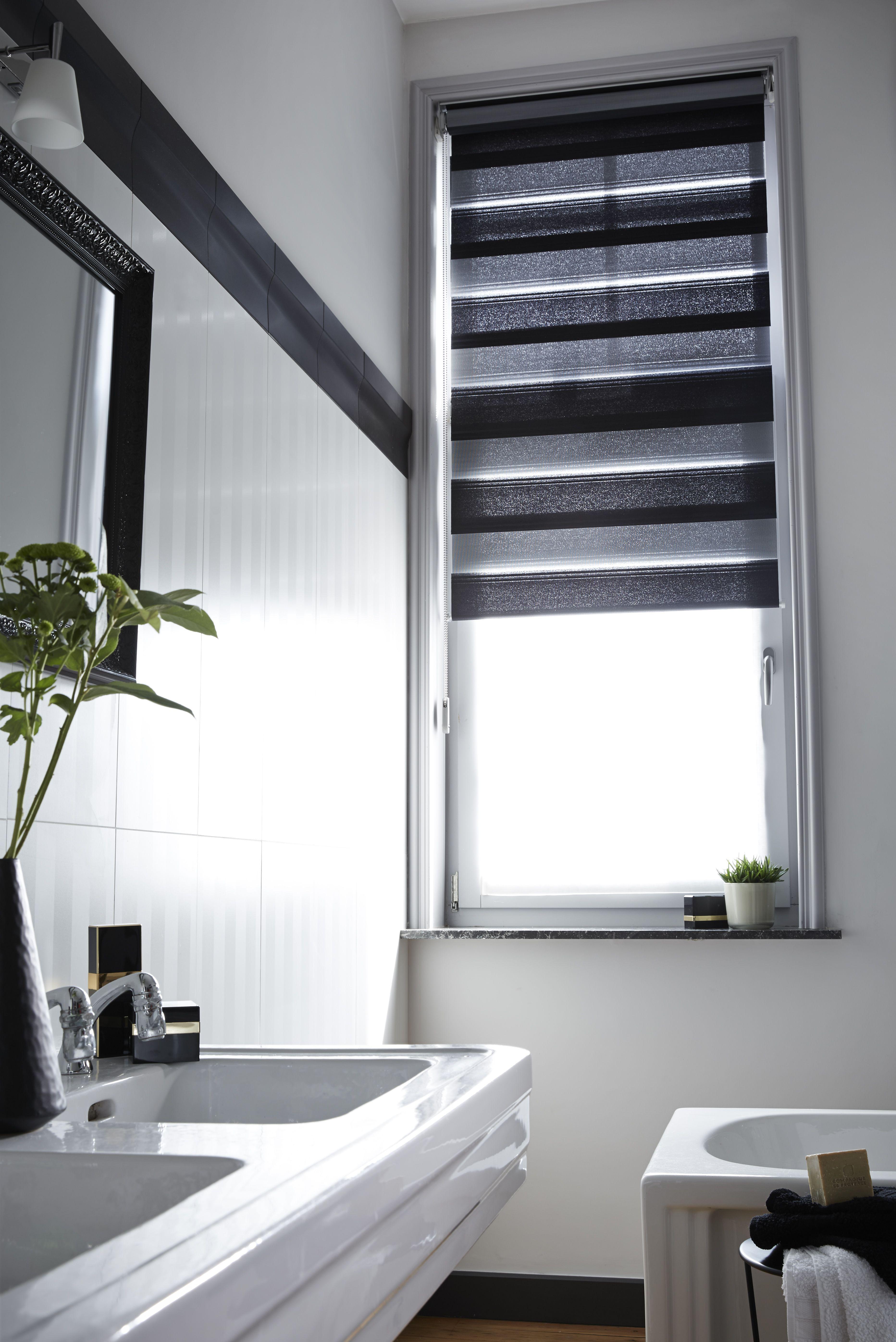 Chez vous en 2019 black white design contemporary rideaux heytens toile fenetre et - Fenetre salle de bain ...