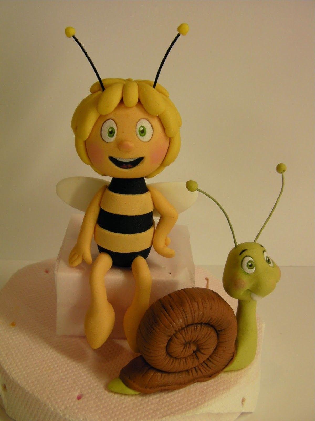 Pin Von Cortina Bandur Auf Bienen Torte Pinterest Fondant