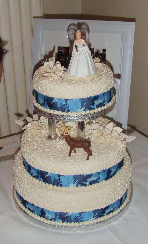 Our Camo Wedding Cake Blue Hunter Ivory S73F1049