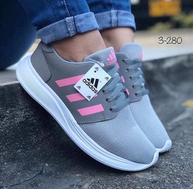 castigo Acurrucarse Desafortunadamente  Pin by Las Divinas on Calzado de venta en Cañar | Dc sneaker, Sneakers,  Shoes