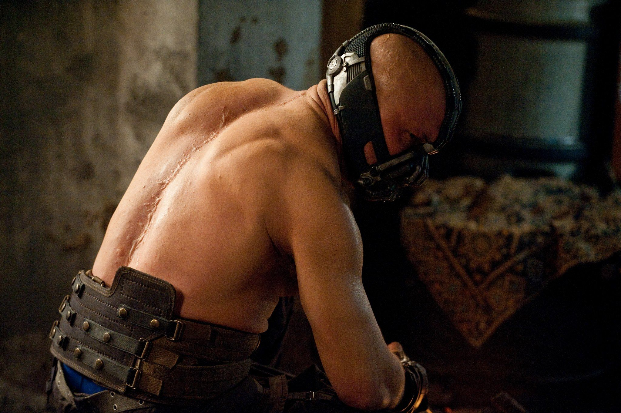 Pin By Estelle Niemand On Tom Hardy Bane The Dark Knight Rises Tom Hardy Bane