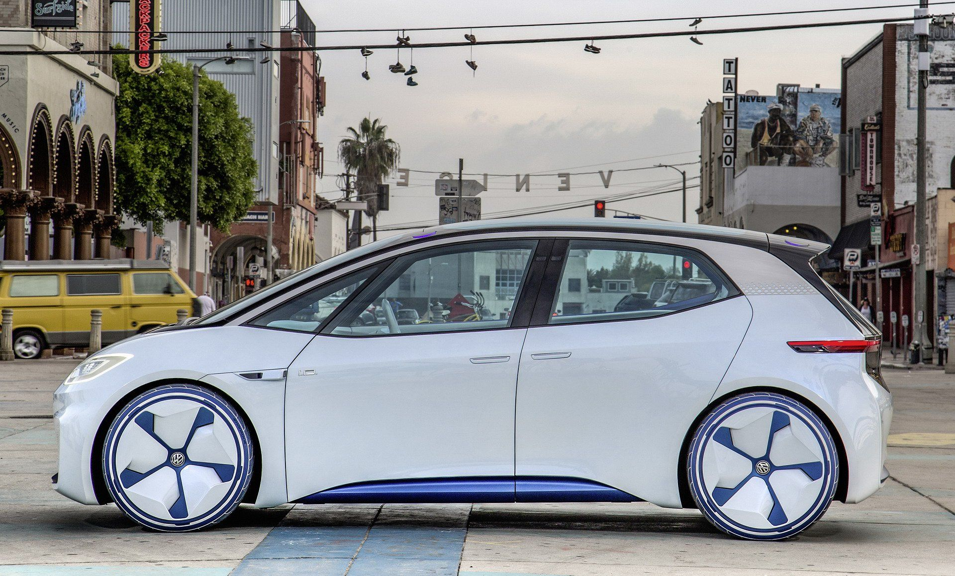 2020 Volkswagen I D Neo Ev Looks Range And Everything Else We Know Carscoops Volkswagen Vw Electric Car Electricity