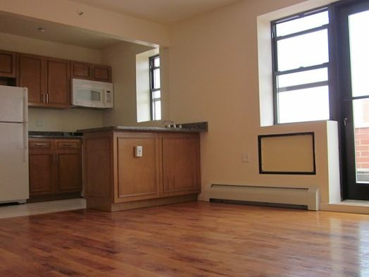 1 bedroom rental at 31st St, Long Island City, posted by Joshua Arcus on 09/25/2013 | Naked Apartments