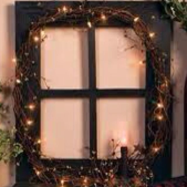 Pin By Kandi Pruitt On Houses And Furnishings Window Crafts Primitive Decorating Country Primitive Decorating