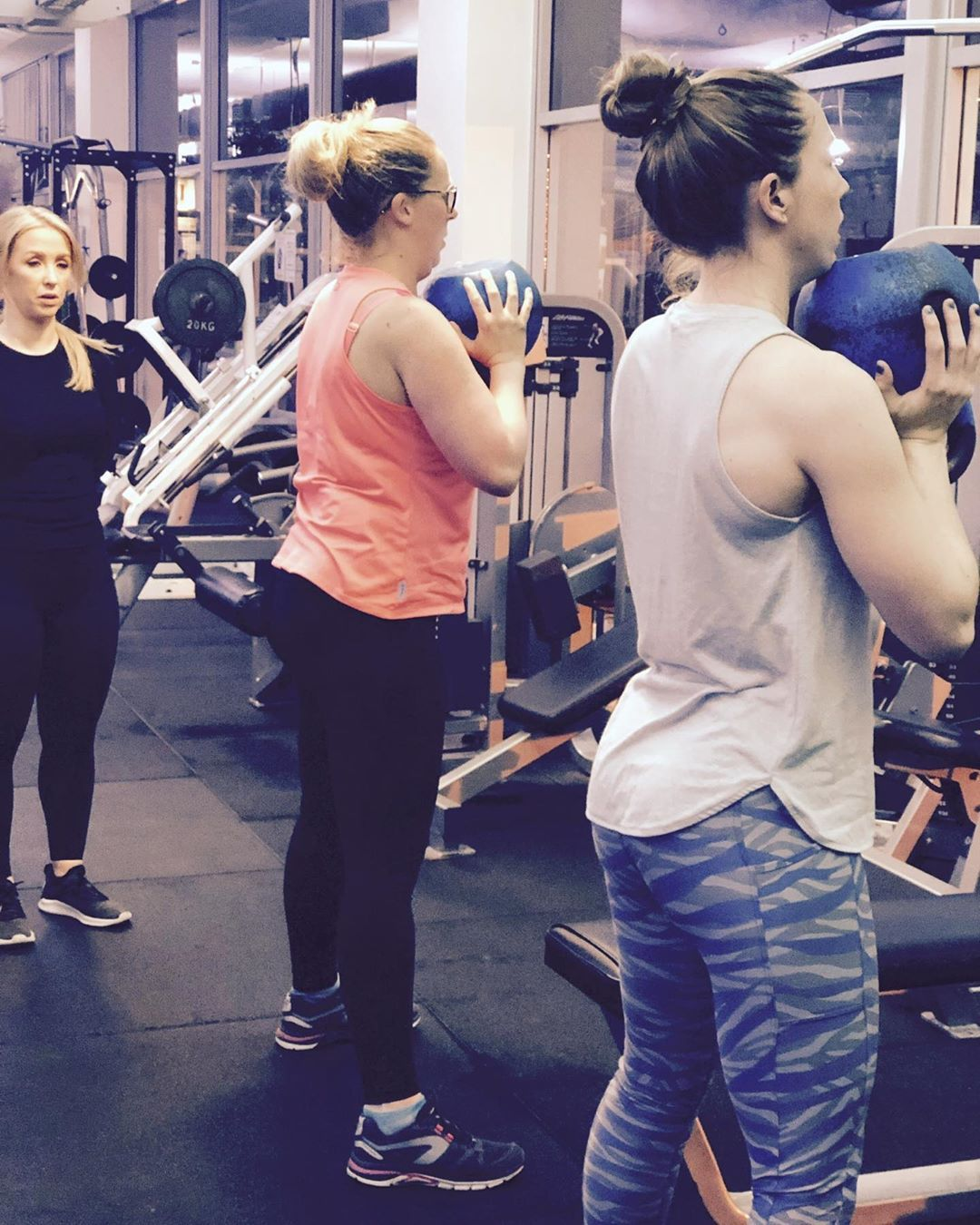 💪🏽When life gives you Mondays goblet squat your way into All Sorts with personal trainer @loveablebo...